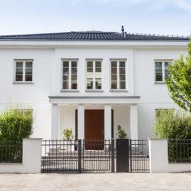 Villa mit Putzfassade